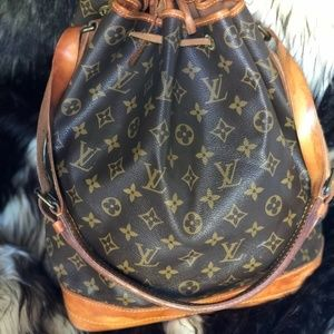 Louis Vuitton~ Noe~No Cracks in leather~